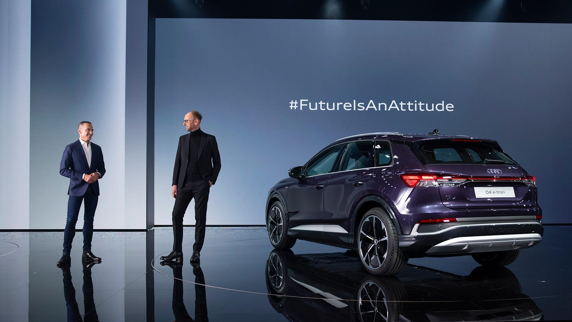 Henrik Wenders, starejši podpredsednik znamke Audi in vodja oblikovanja Marc Lichte sta govorila o naprednem in edinstvenem oblikovanju Audija Q4 e-tron.